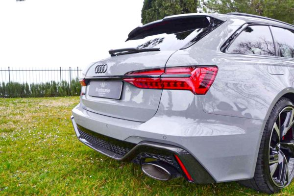 Rent Audi RS6 Model 2020 (18)