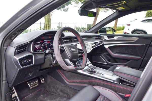 Rent Audi RS6 Model 2020 (23)