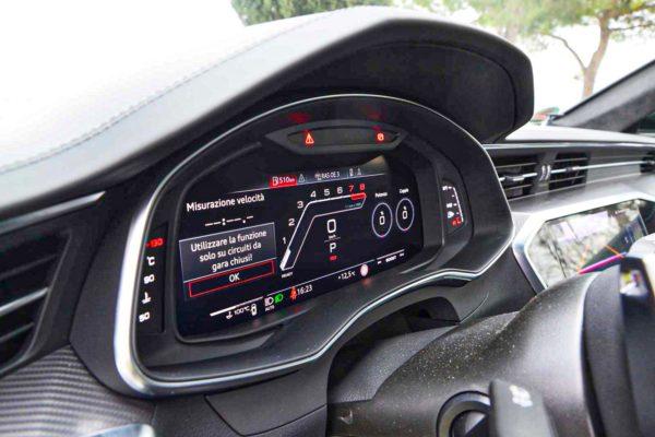 Rent Audi RS6 Model 2020 (3)