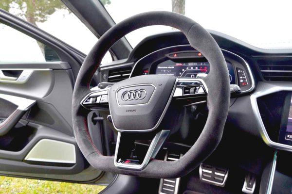 Rent Audi RS6 Model 2020 (8)