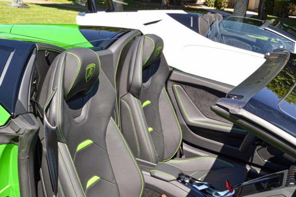 Rent Lamborghini Huracan Evo Spyder