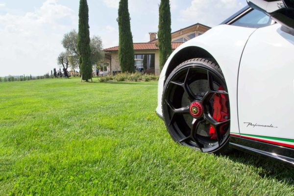 Rent Lamborghini Huracan Performante Spyder in Cannes