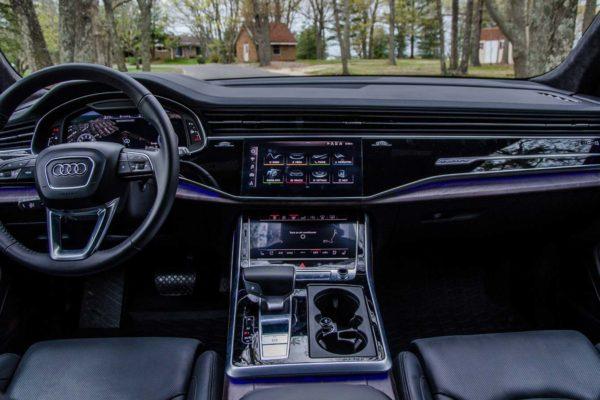 Rent Audi Q8